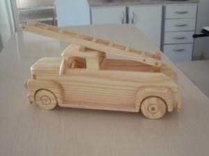 brinquedos artesanais de madeira 03