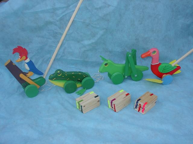 brinquedos artesanais de madeira 12
