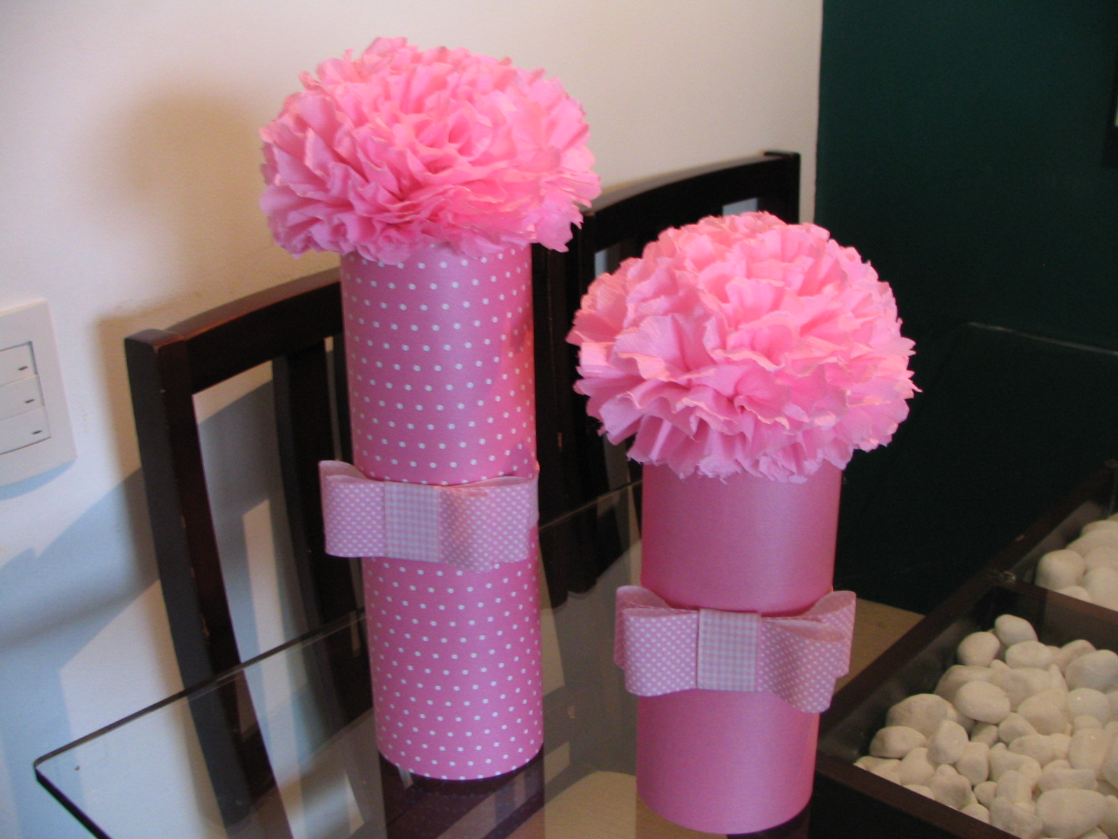Como fazer flores de papel crepom 05