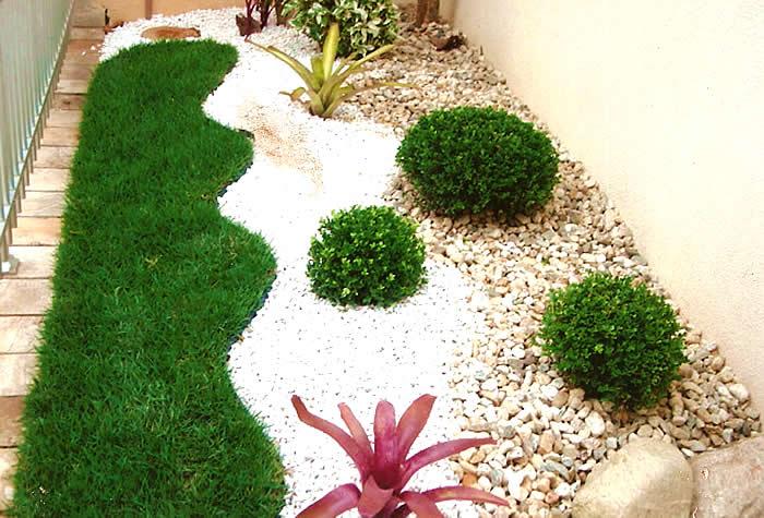 Jardins decorados com pedras