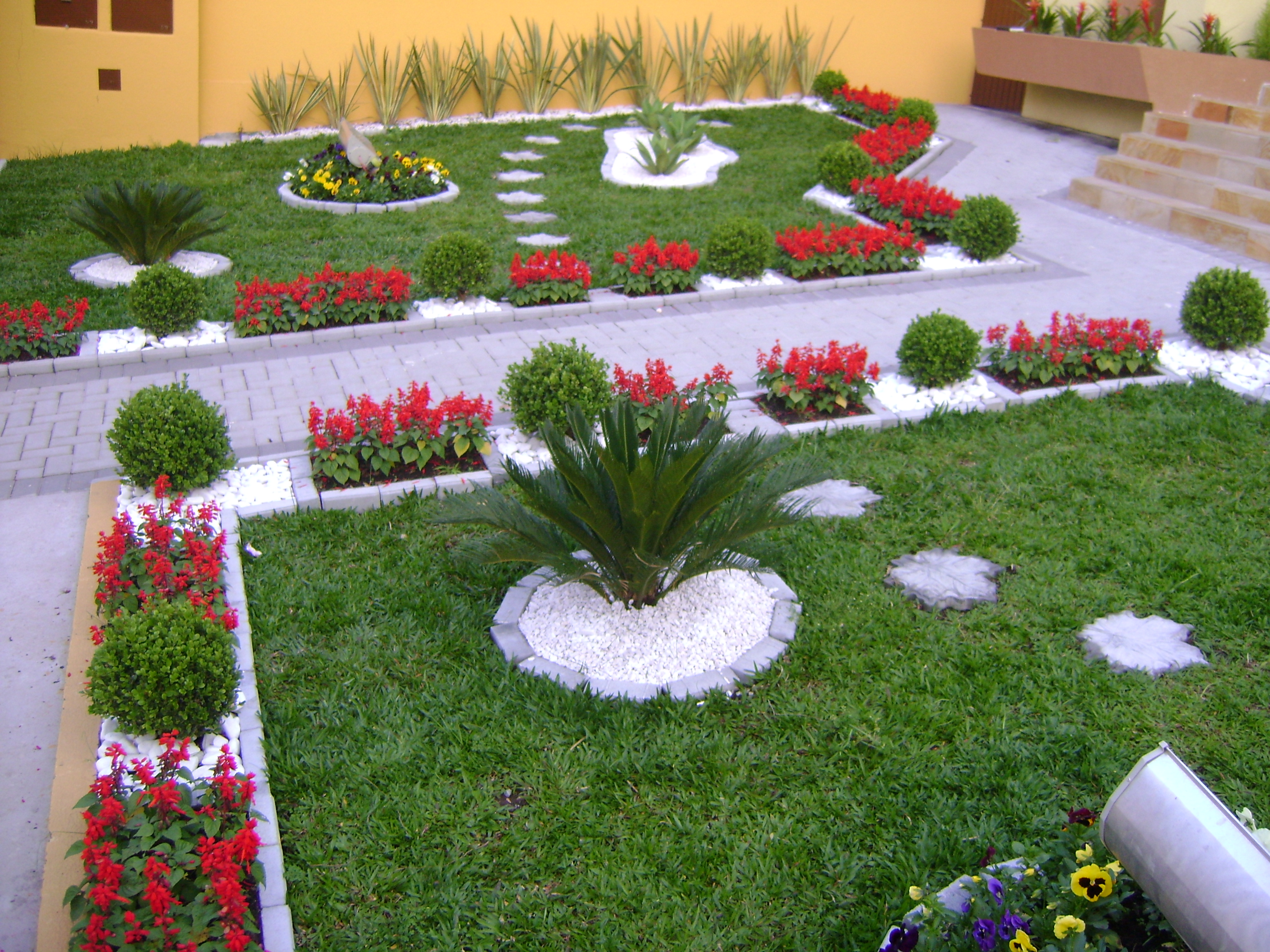 imagens jardins casas:Garden Design Ideas with Pebbles