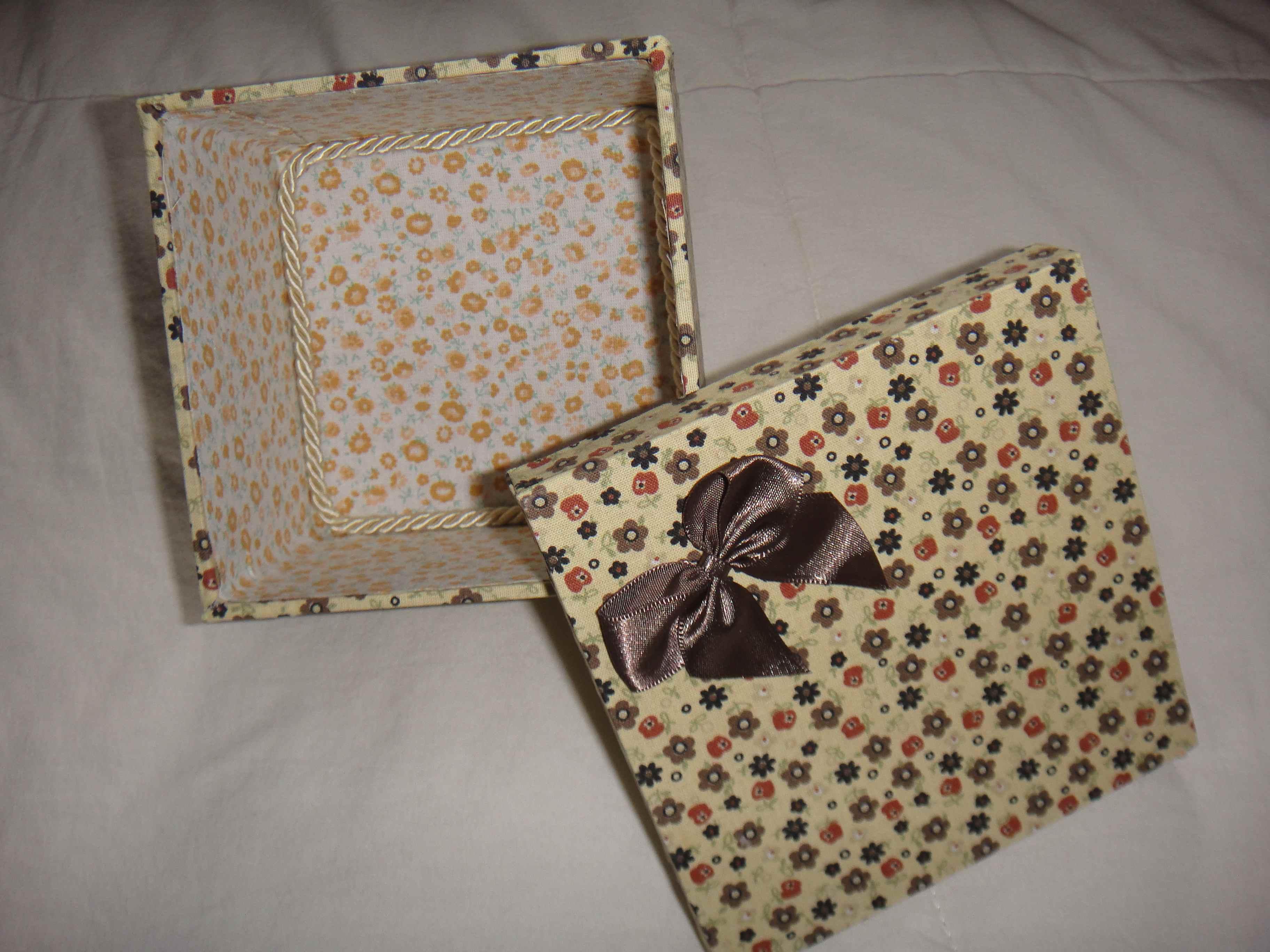 Caixa de presente forrada com tecido 05