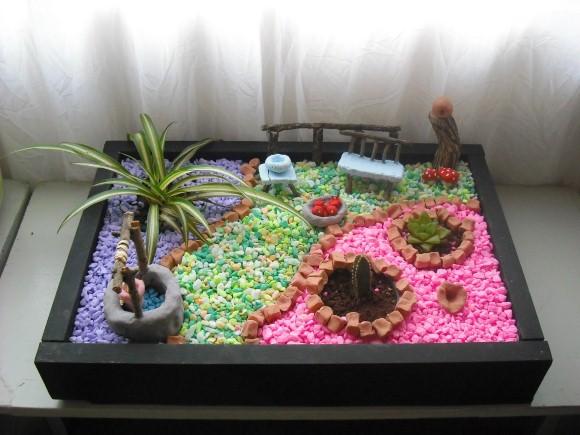Aprenda a fazer um mini jardim decorativo com suculentas e for Modelos de mini apartamentos