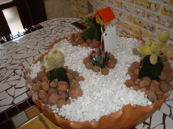 Como fazer um mini jardim decorativo 011