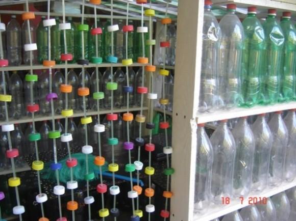 Cortina artesanal de material reciclado 007