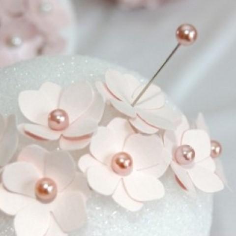 Como fazer flor de papel para decoração 06