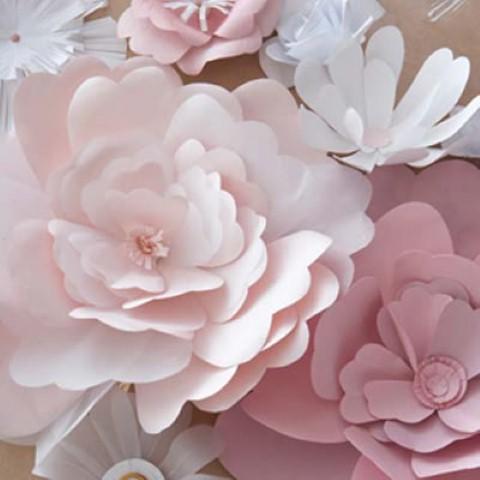 Como fazer flor de papel para decoração 08