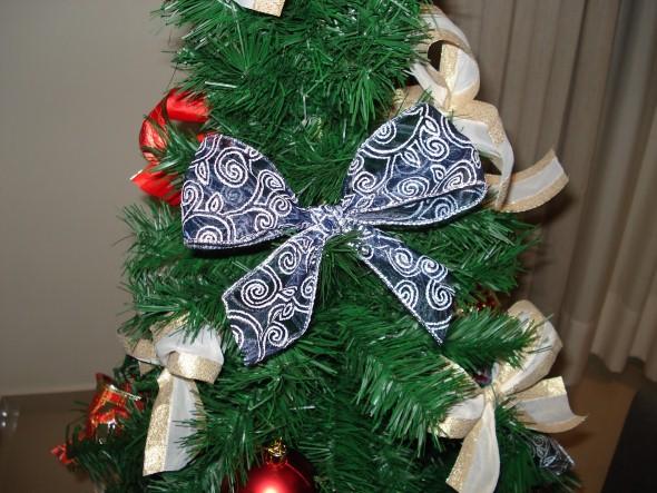 Laços de fita decorativos para o Natal 014