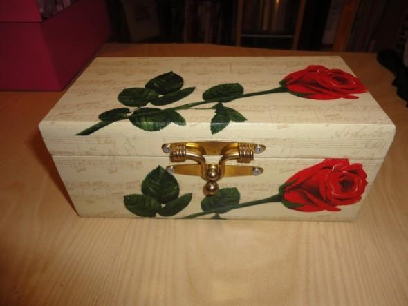 Caixa de MDF decorada com decoupage 003