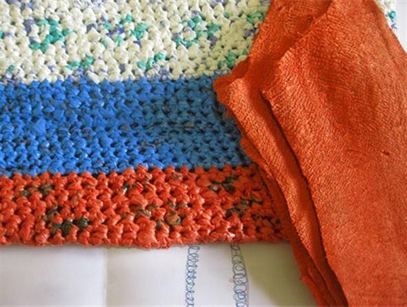 Saiba como fazer tapete de sacola plástica 002