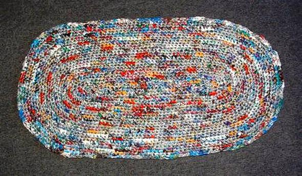 Saiba como fazer tapete de sacola plástica 006