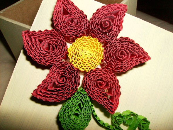 Flores artesanais de quilling 010