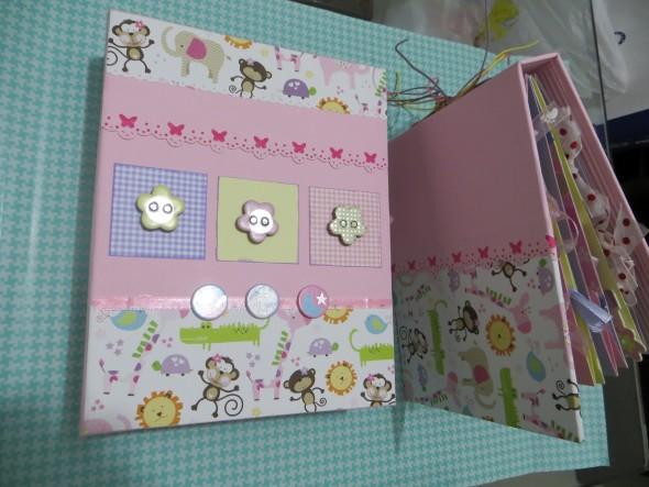 Álbum de fotos do bebê em Scrapbook 006