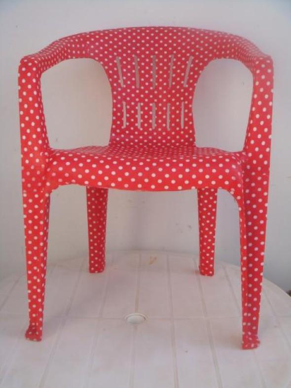 Personalizar cadeiras de plástico antigas 007