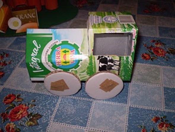 Carrinhos de caixa de leite 007