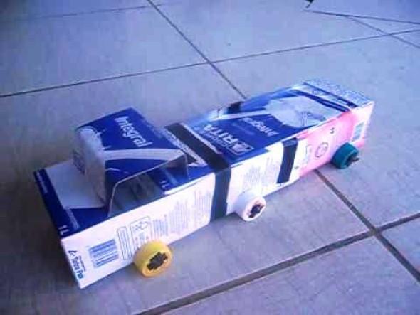 Carrinhos de caixa de leite 010