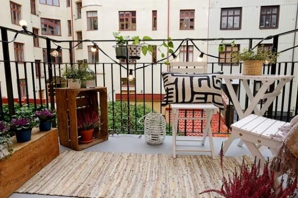 Objetos artesanais na varanda 005