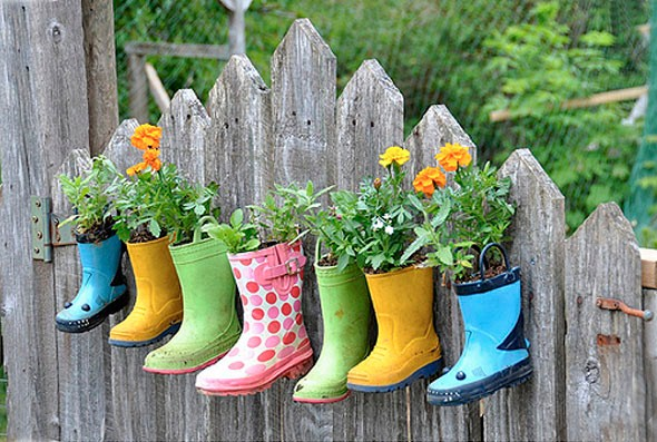 Objetos artesanais na varanda 010