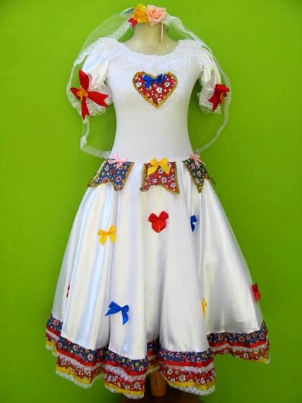 Aprenda a customizar a roupa dos filhos para Festa Junina c08a1880c88