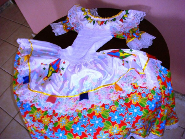 6ab37dc679 Aprenda a customizar a roupa dos filhos para Festa Junina