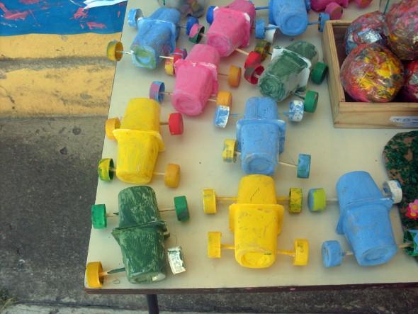 Brinquedos de sucata 006