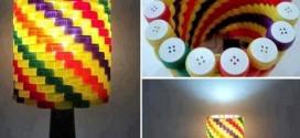 Objetos artesanais de tampinha de garrafa