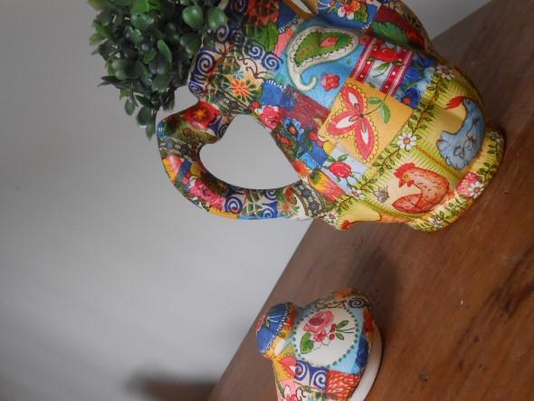 Vasos feitos com bules e chaleiras antigas 014