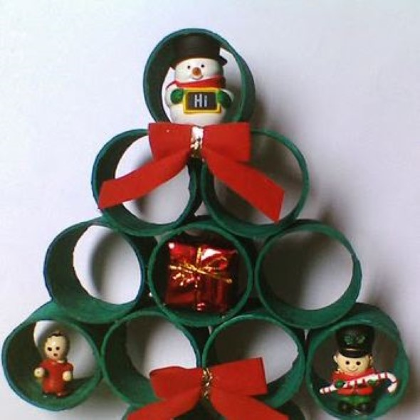 Árvore de Natal de material reciclado 004