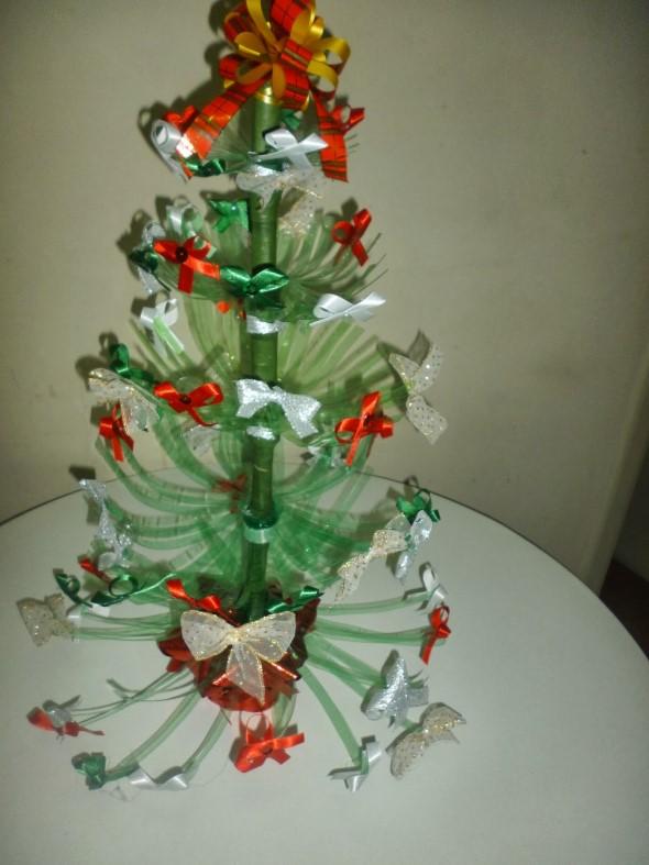 Árvore de Natal de material reciclado 013