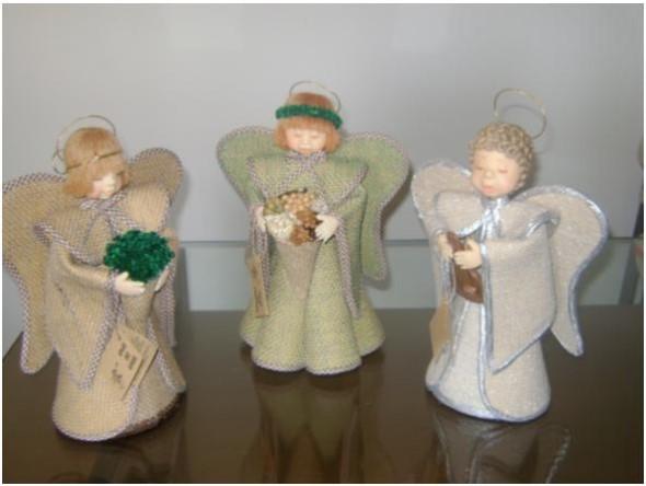 Como fazer anjinhos natalinos 004