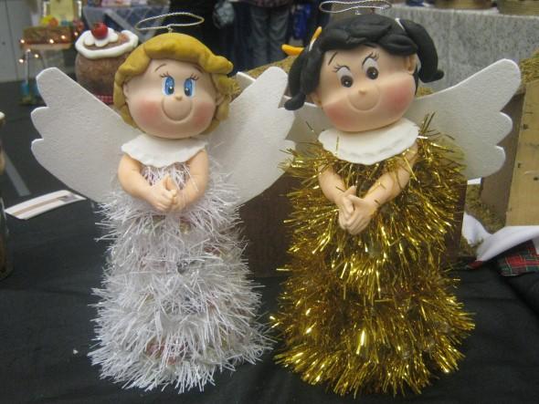 Como fazer anjinhos natalinos 014