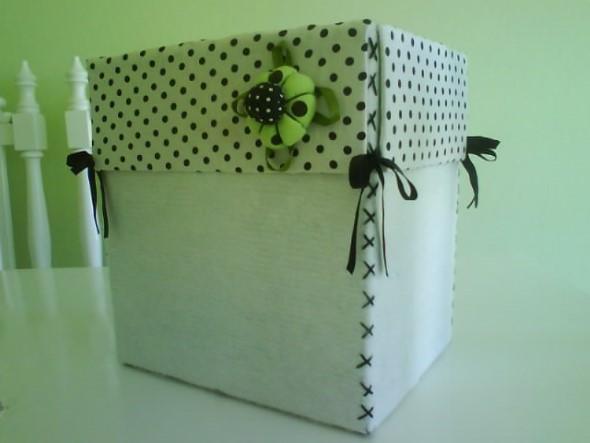 Reciclando caixas de papelão 001