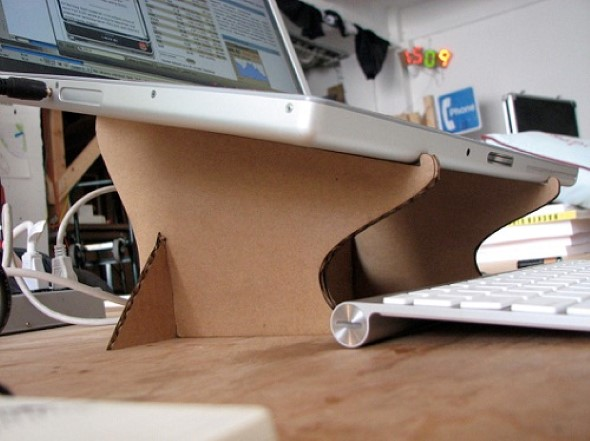 Reciclando caixas de papelão 009