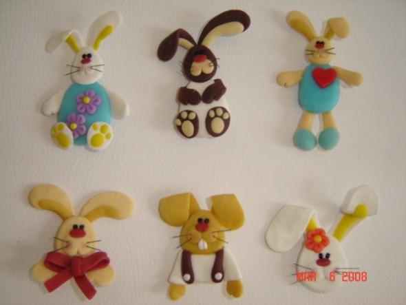 Coelhinhos da páscoa em biscuit 001