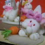 Coelhinhos da páscoa em biscuit – Saiba como fazer