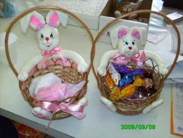 Coelhinhos da páscoa em biscuit 010