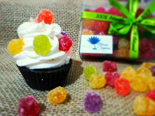 Aprenda a fazer sabonete de cupcake 011