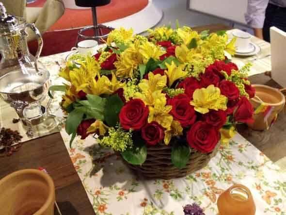 Como fazer arranjo de flores 011