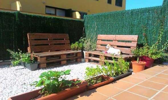 Paletes no seu jardim 010
