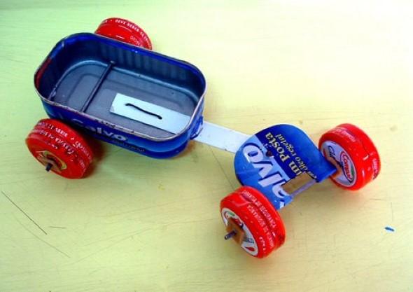 Brinquedos de lata 013