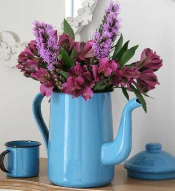 Transforme bules antigos em vasos charmosos 004
