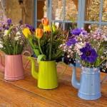 Transforme bules antigos em vasos charmosos