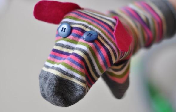 Como fazer um boneco com meias de algodão 007