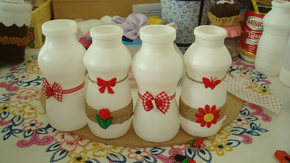 Artesanato com potes de iogurte 001