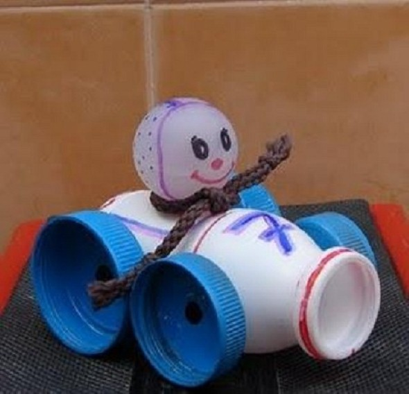 Artesanato com potes de iogurte 010