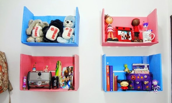 Como fazer nichos com gavetas e caixotes de feira 011