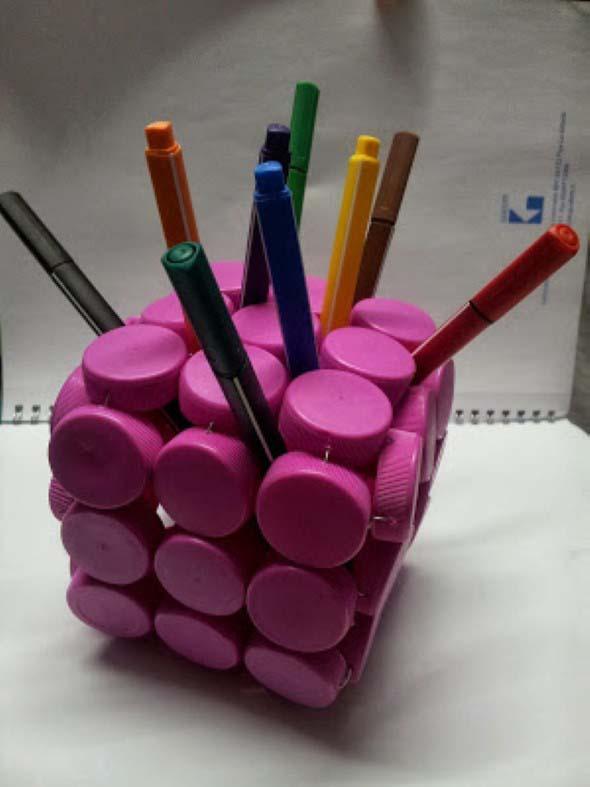 Porta-lápis com material reciclável 011