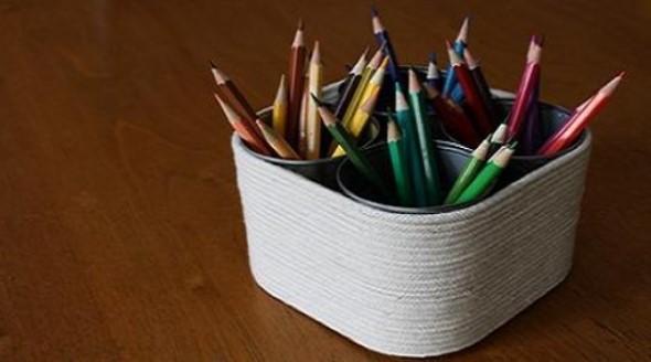 Porta-lápis com material reciclável 014