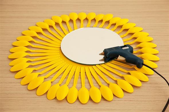 Artesanato criativo com colheres de plástico 007
