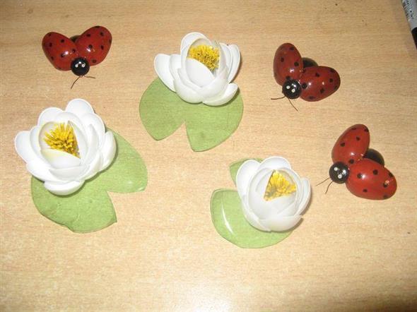 Artesanato criativo com colheres de plástico 011